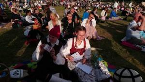 Johan Nordlund och Frida Myrsmeden kammade hem en andraplats i ungdomsklassen